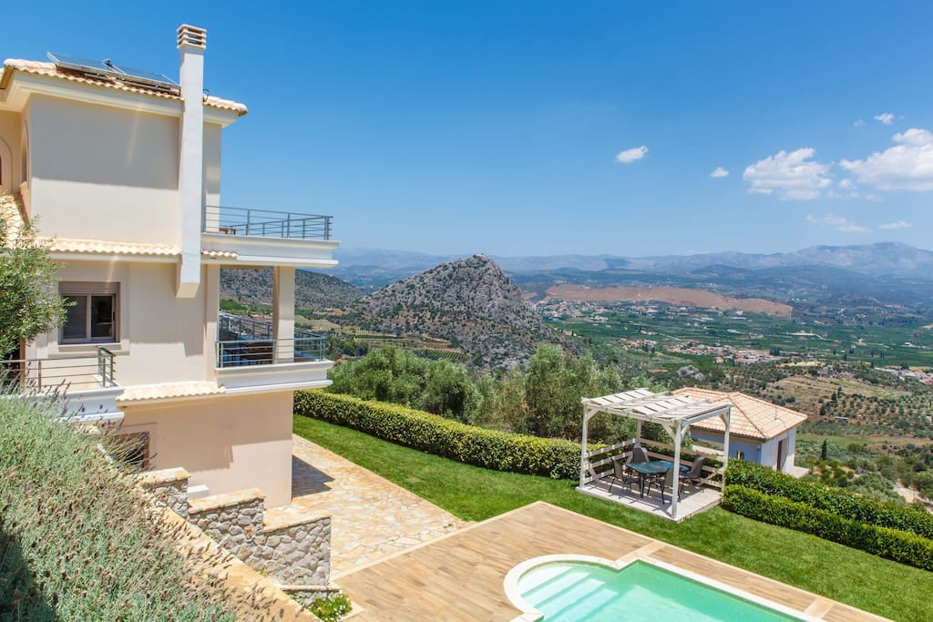 Villa Artemis with breathtaking view of Argolic Natur
