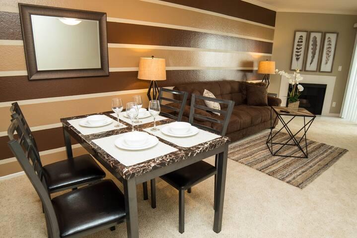345 Fuller · LOVELY 1 BEDROOM ON HOLLYWOOD BLVD!!!