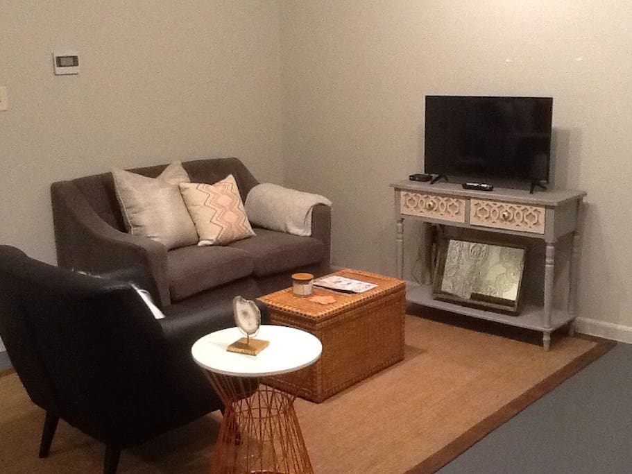 Cozy seating with Smart TV and free Wi-Fi internet.