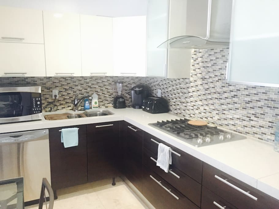 Kitchen (CONVECTION OVEN ONLY)