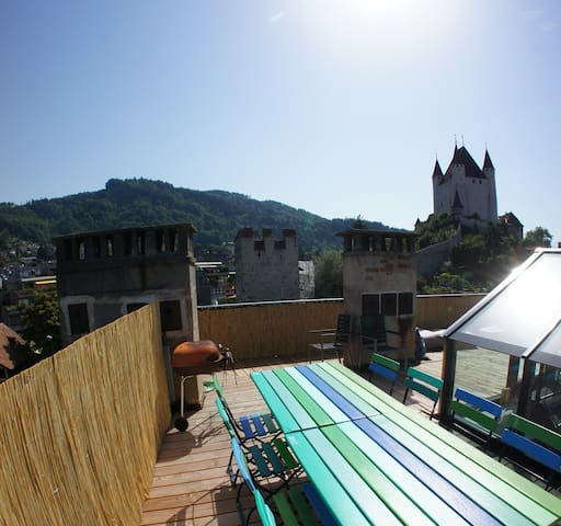 Rooftop with a breathtaking view and friendly host - Thun - Appartement