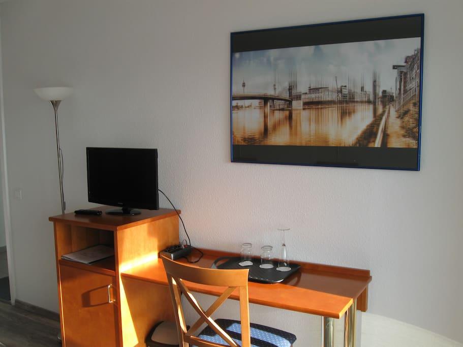 Düsseldorf mit TV und Minibar