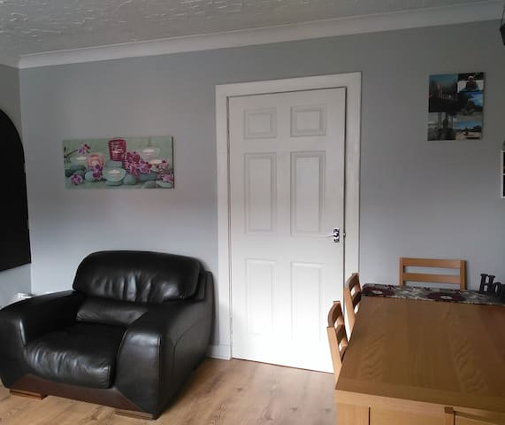 2 Bedroom, quiet location, home away from home - Blantyre - Casa