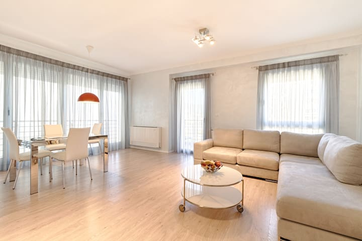 Residence The Rooms: Three Bedrooms Apartment - Tirana - Apartment