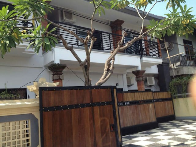 Strategic location in the city - South Denpasar - Bed & Breakfast