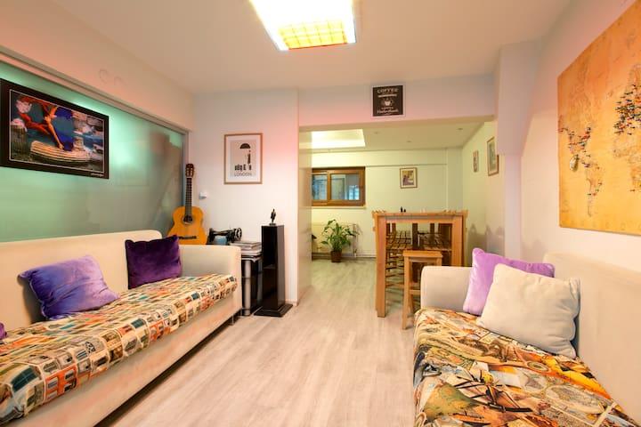 Cozy Hostel at the Heart of İzmir - Konak - Dorm