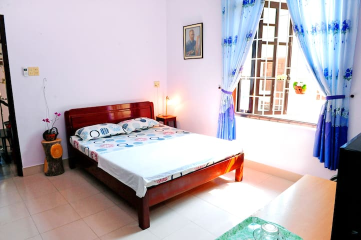 Quite area, one bedroom, 10'to Hue Railway Station