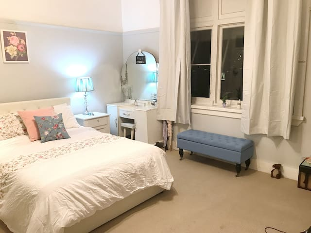 Cosy studio apartment stay in North Sydney