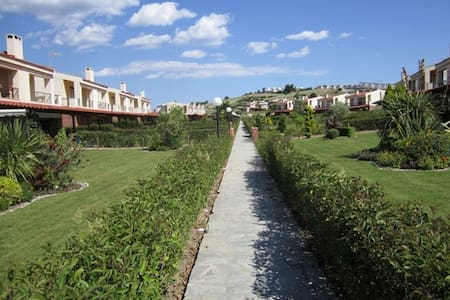 Beautiful and peaceful beach home - Skala Fourkas - Villa