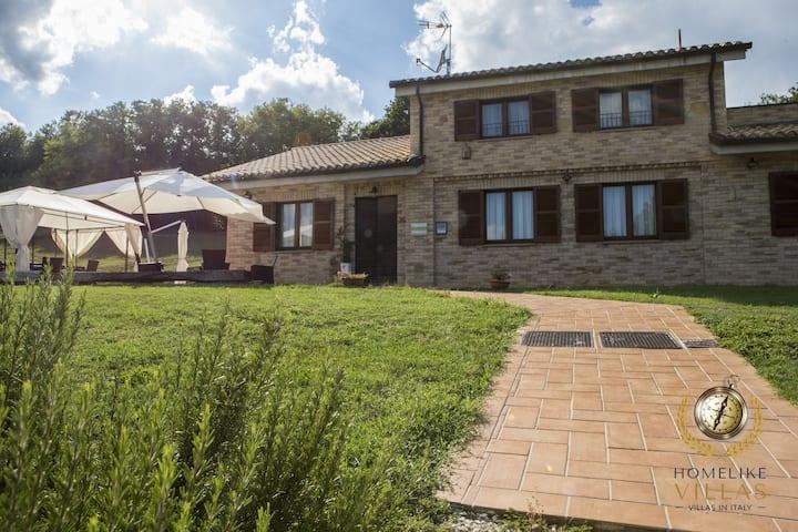 Villa Domus, between sea & mountains