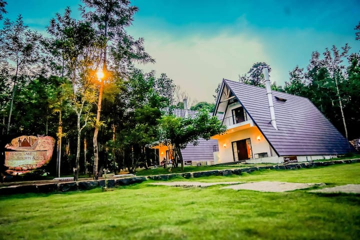 DELUXE @ MYST YELLOW LAKE RESORTS & SPA, Yercaud
