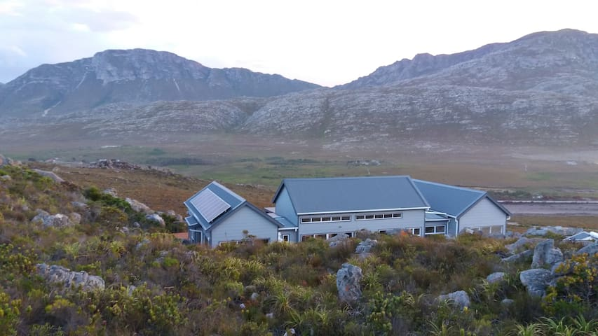 Tranquility Heights, Pringle Bay, 21HA of paradise