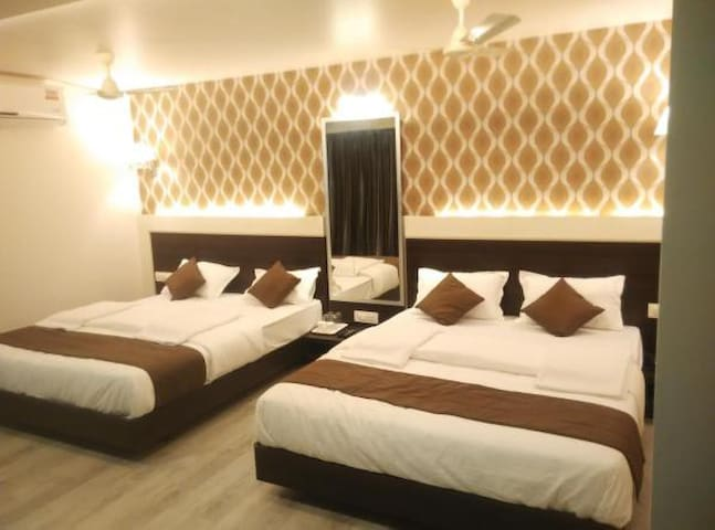 Family Suite EP · Family Suite Room in Vasai East