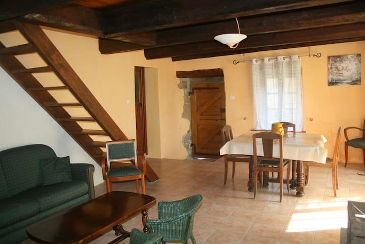 Maison authentique au cœur de l'Auvergne