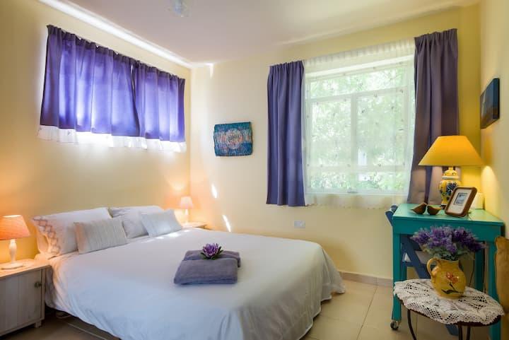Gan Hapaamonim - Cozy suite in a paradise garden