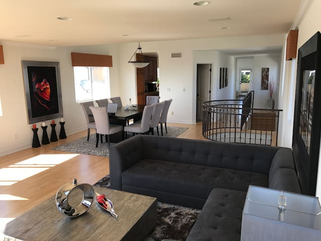 Stunning Main 2bed/2 1/2bath Hermosa Beach Home - Hermosa Beach - Hús