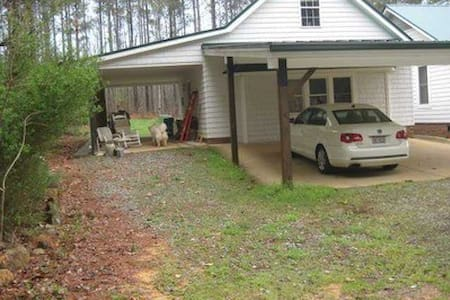 Country guest house - Siler City - House