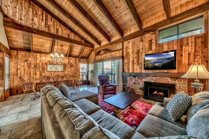 Lakeland Villa 485+Close to Skiing, Hot Tub, Beach