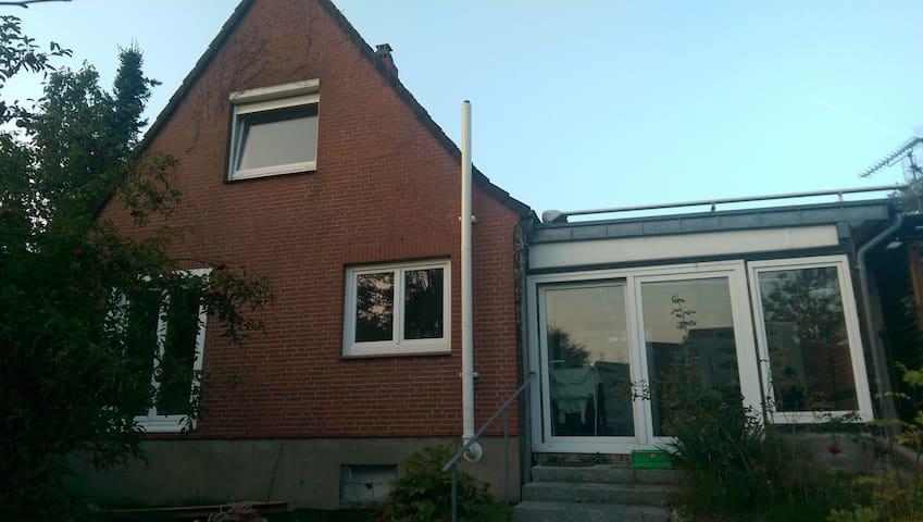 Gemütliches Haus mit Kamin - Bordesholm