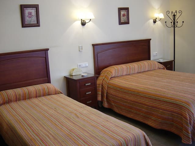 Habitacion Triple 3 personas - Antequera - Bed & Breakfast