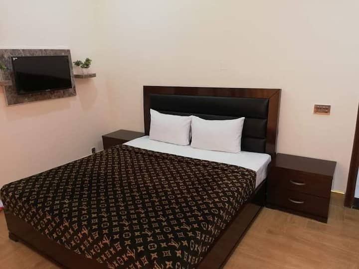 Hotel accommodation Lahore AlBurhan Express Hotel