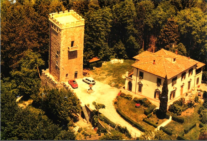 Villa + Tower near Florence, Italy - Vaglia - วิลล่า