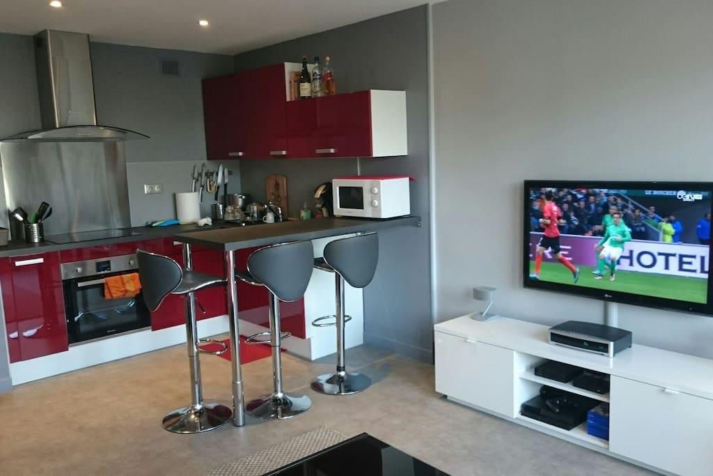 studio avec cuisine ouverte appartements louer caen. Black Bedroom Furniture Sets. Home Design Ideas