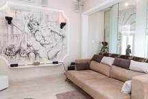 pull ot sofa / mural