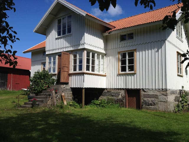 Traditional West coast farm house - Tjörn Municipality