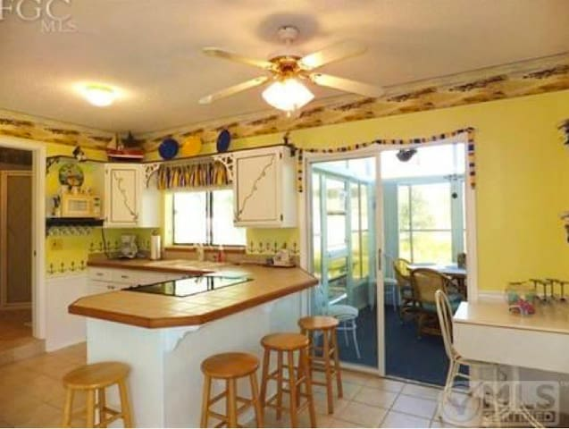 Charming Beach Cottage  - Fort Myers Beach - บ้าน