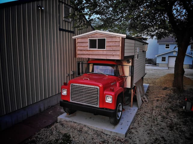 IH Antique Truck - Sleep in the bed of a truck
