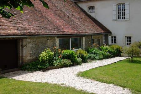 Une confortable maison de famille à la campagne - Les Moutiers-en-Auge - House - 1