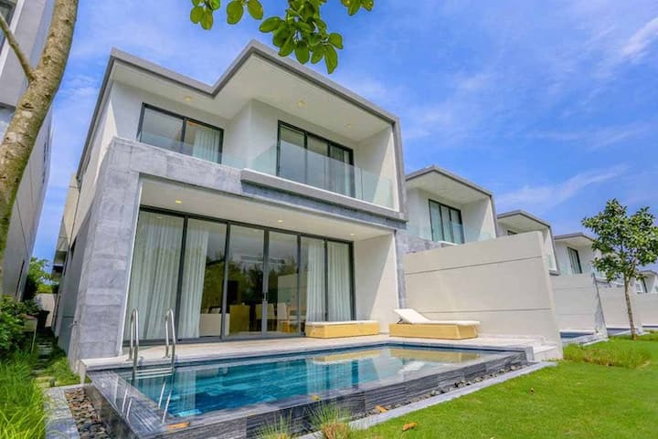 Private Pool Stunning 3BR Villa Golf view