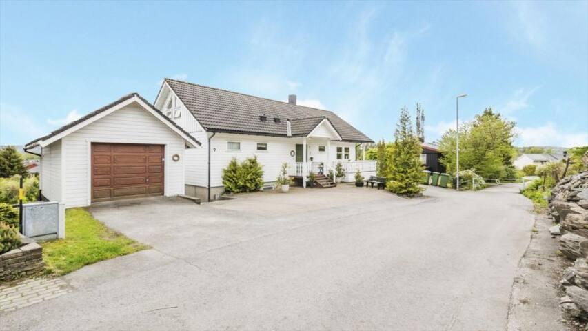 Hus med 4 soverom nær Trondheim Lufthavn Værnes - Stjørdal - Rumah