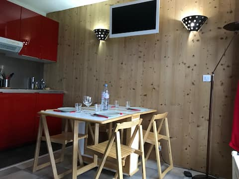 Charmant studio rénové plein cœur de station