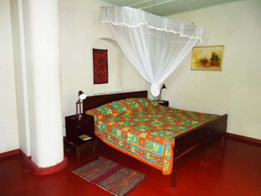Nellie's suite, sleeps 3, large, spacious and airy.