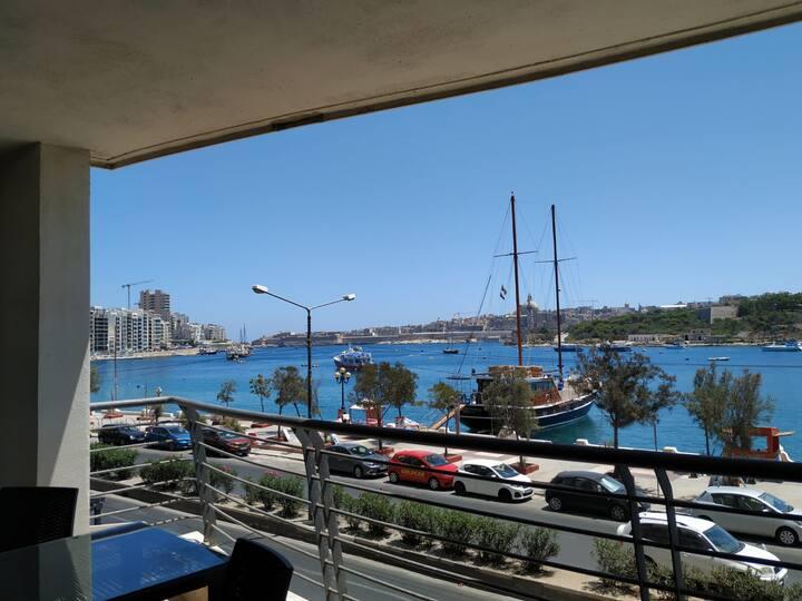 Habitación Femenina Sliema, Malta