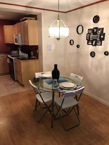 Comfortable apartment near college & recreation