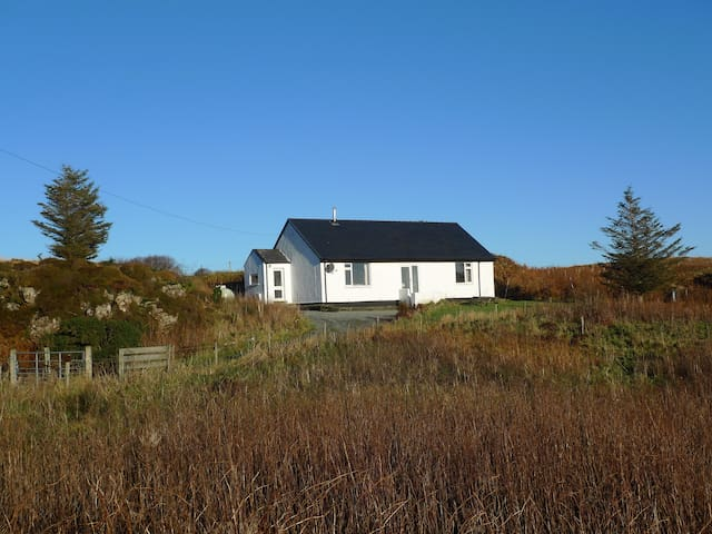 Wild Orchid Cottage, Skye, self-catering cottage - Struan