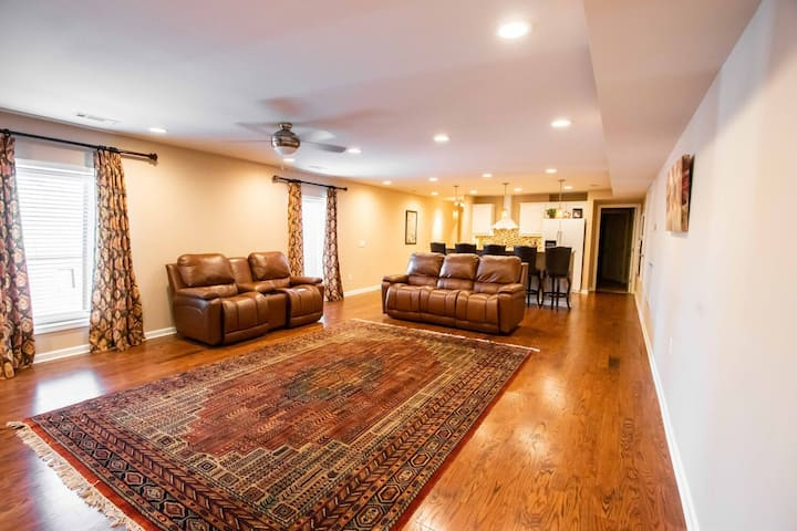 2nd Floor Furnished Apartment Heart of Cookeville