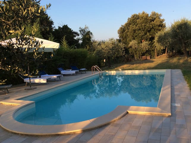 Apartment with swimming pool near Rome