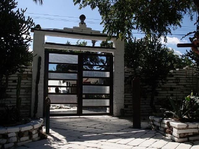 Main gate with mirrors