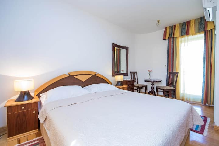 Guest House J&J - Large Double Room With Balcony - No. 8