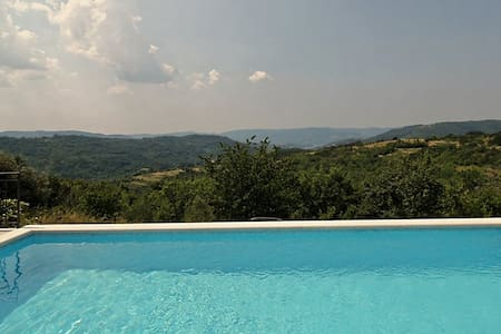 Spectacular view poolhouse, 3 bedrooms, near Buzet - Buzet
