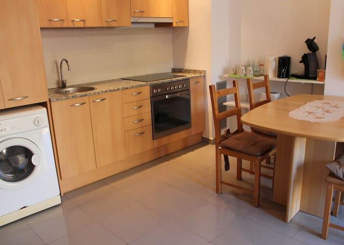 Torroella, groundfloor apartment with 1 bedroom. - Torroella de Montgrí - Pis