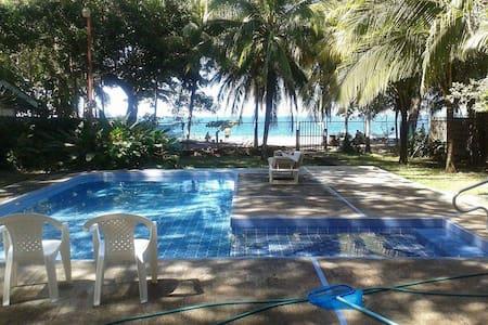 Beautiful beachfront house! - Playa Hermosa - Σπίτι