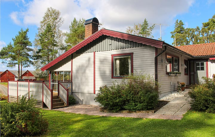 Beautiful home in Öxabäck with WiFi and 3 Bedrooms