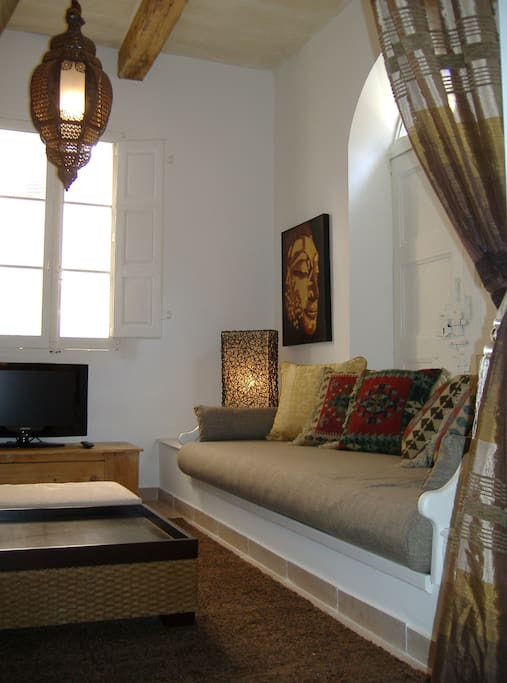 Moroccan Style Living Room with 2 extra single sofa beds