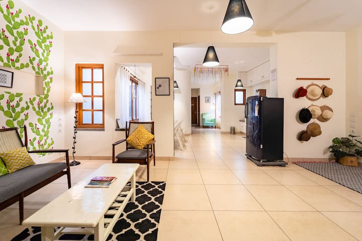 """""""Wildflowers"""" 3BHK Full Apartment in Heritage Town"""