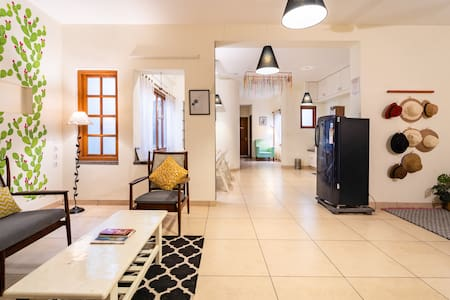 """Wildflowers"" 3BHK Full Apartment in Heritage Town"